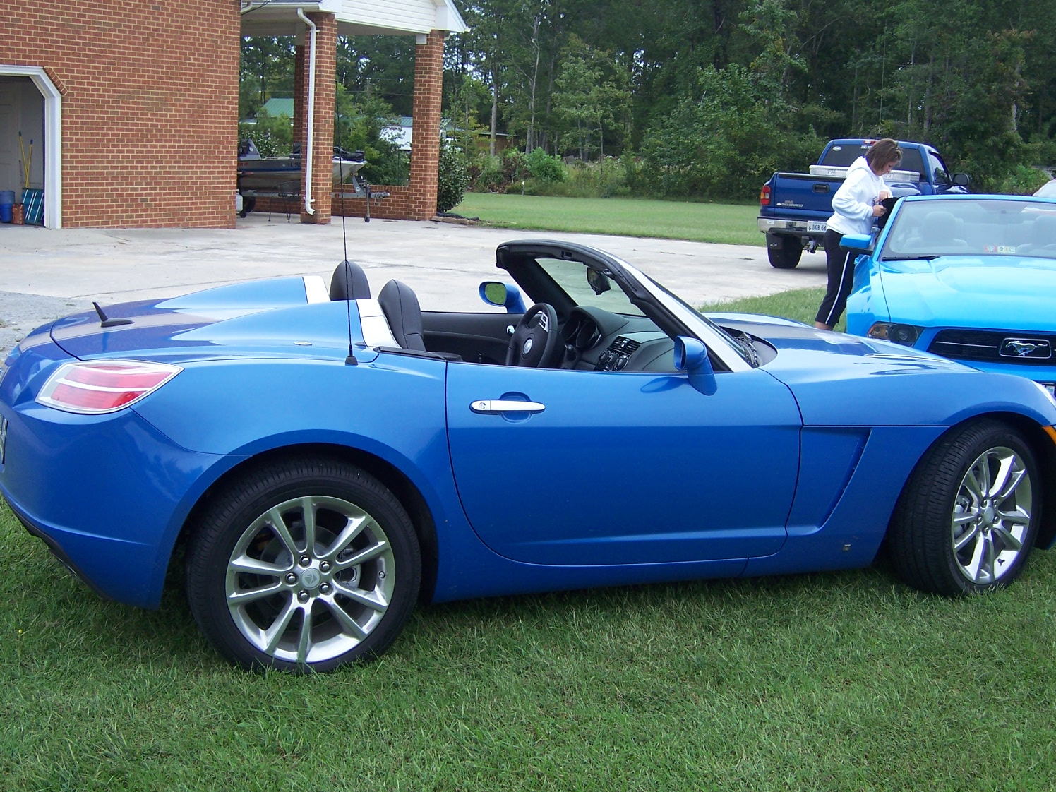 Hydro Blue 2009 limited edition saturn sky for sale-016.jpg