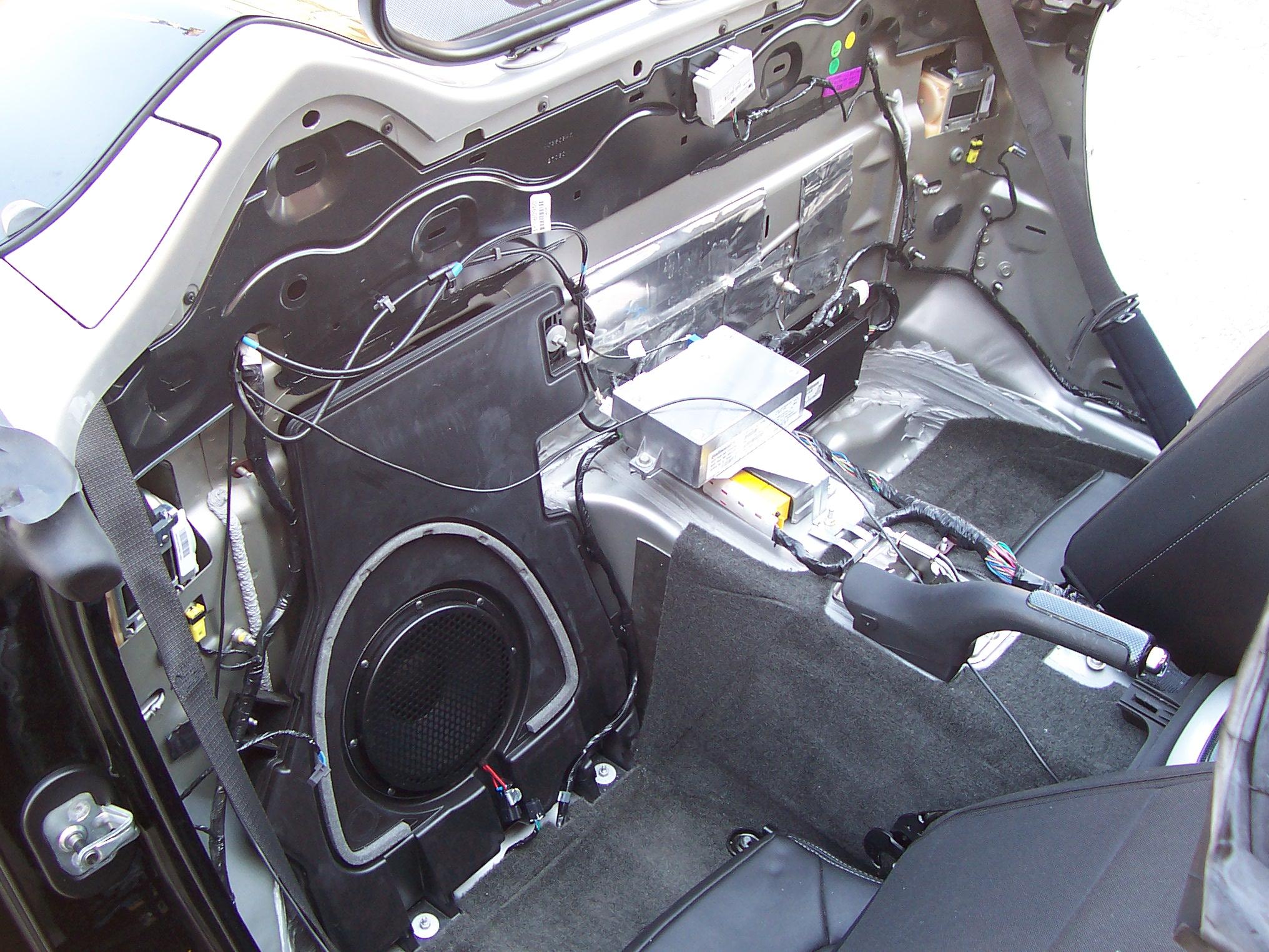 Pics of Speaker/Amp Install-100_3611.jpg