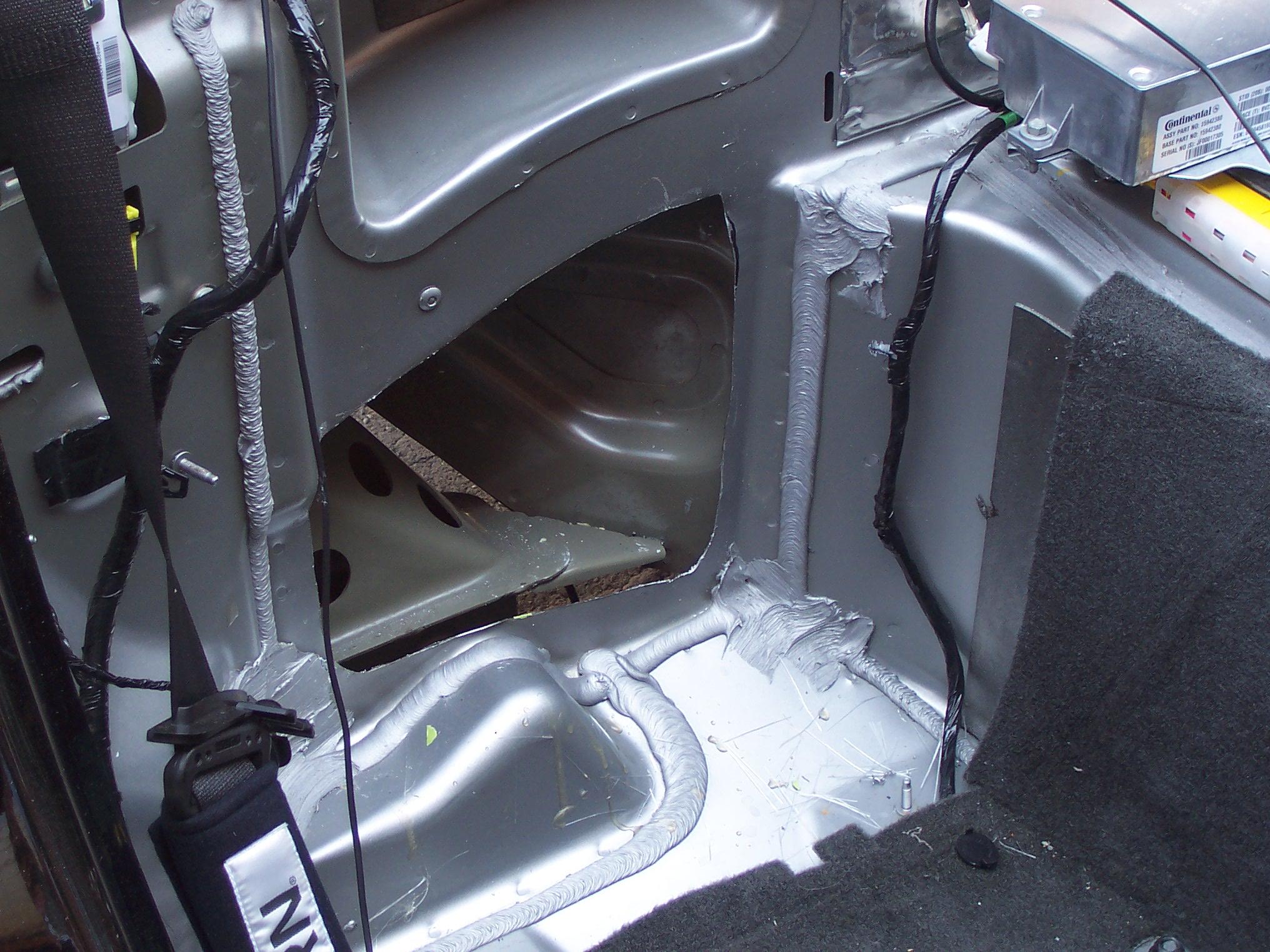 Pics of Speaker/Amp Install-100_3626.jpg