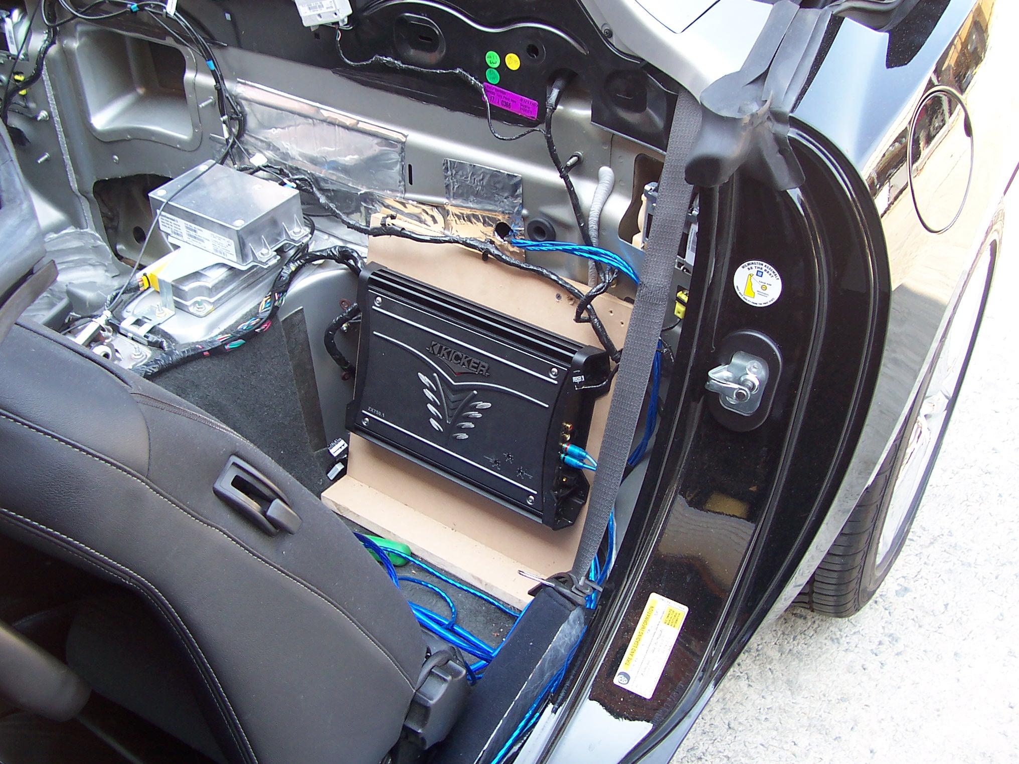Pics of Speaker/Amp Install-100_3627.jpg