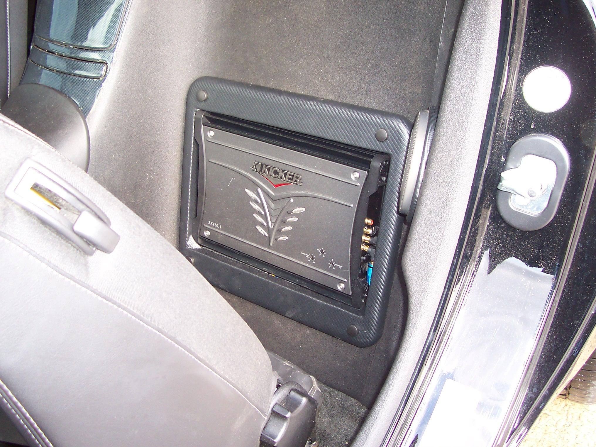 Pics of Speaker/Amp Install-100_3654.jpg