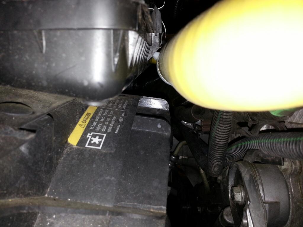 Radiator hose rubbing-13844045160093.jpg