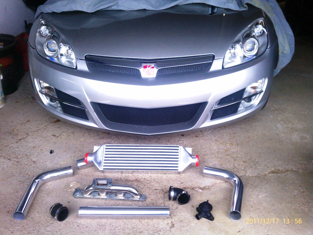 07 Saturn Sky LE5 2.4 Turbo project-intercooler-bov-manifold-12-17.jpg