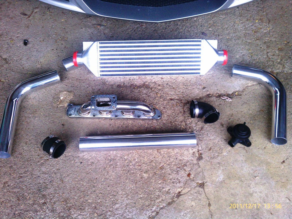 07 Saturn Sky LE5 2.4 Turbo project-intercooler-bov-manifold-closeup-12-17.jpg