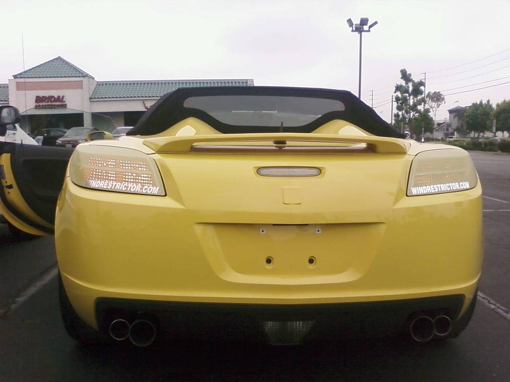 Body Color Taillights (Yellow/ White) - Saturn Sky Forums: Saturn ...