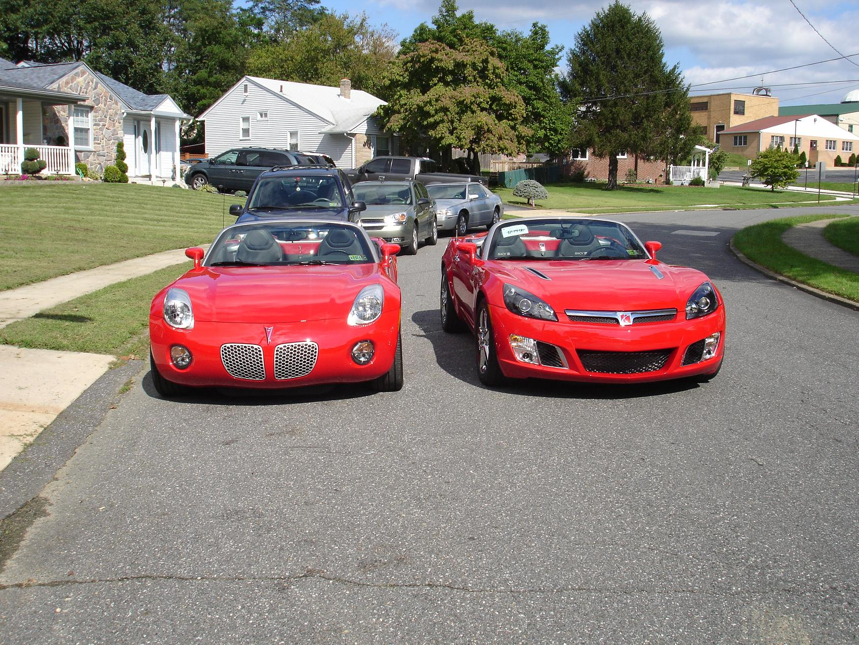 RL and Solstice side by side  Saturn Sky Forums Saturn Sky Forum