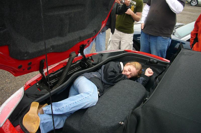 What is the hump in the trunk? | Page 2 | Saturn Sky Forum